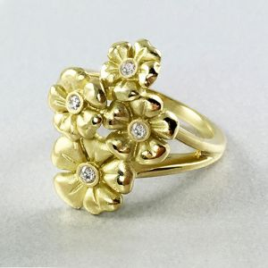 18k Yellow Gold And Diamond Ring R7353Y