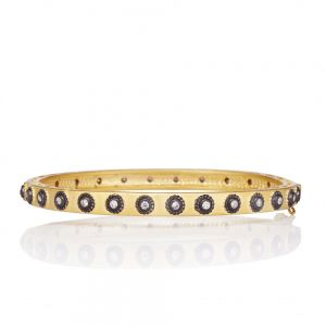 Signature Studded Eternity Hinge Bangle YRZB0800B-HG-1
